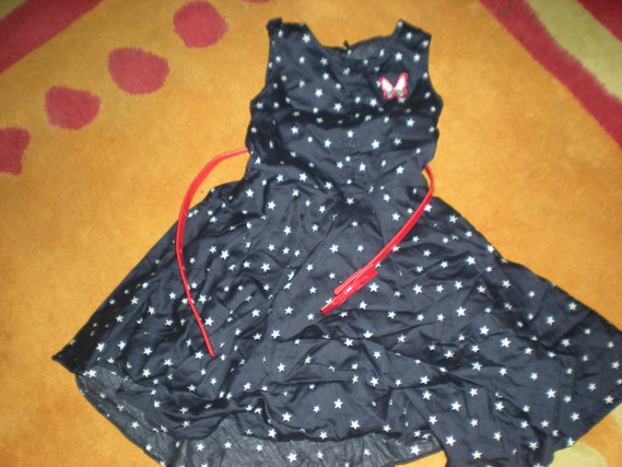 Robe avec sa ceinture Ikks 20 euros