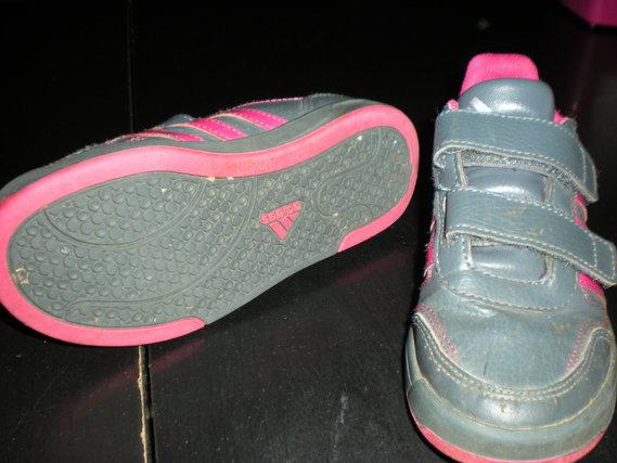 Baskets Adidas pointure 30 10 euros