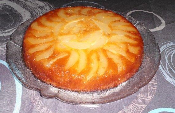 Gâteau caramélisé aux poires