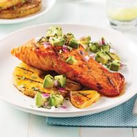 saumon-grille-et-salsa-d-avocat