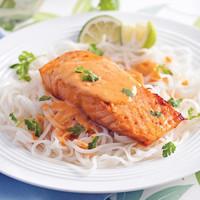 saumon-grille-sauce-lait-de-coco-et-cari