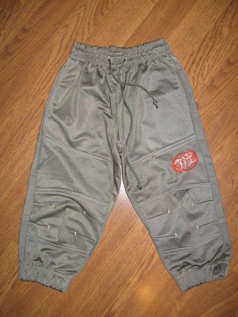 Pantalon de jogging kaki 24 mois 2€