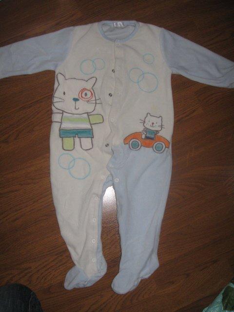 Pyjama velour comme neuf 5€