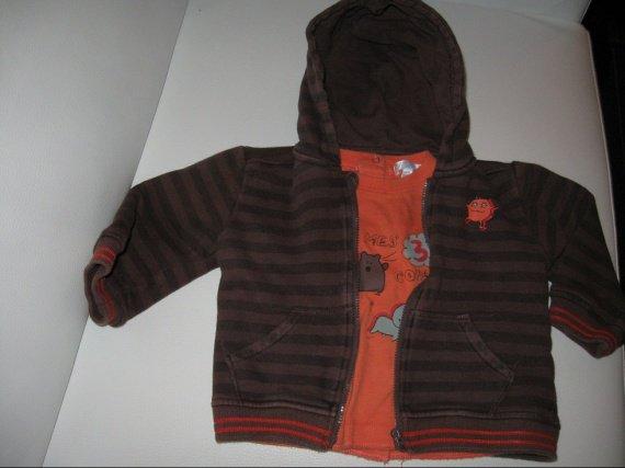 Veste zipé marron + tee shirt ML 8€