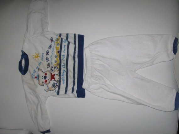 Pyjama 2 pièces 2€