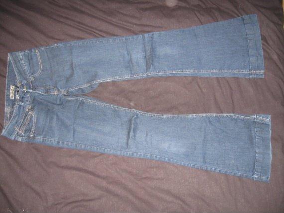 jean brut taille basse T36 6€