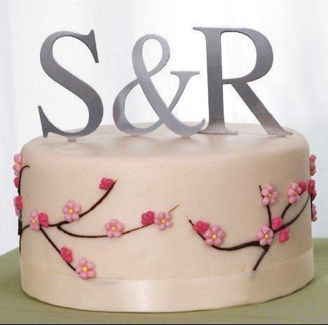 metal-monogram-cake-topper