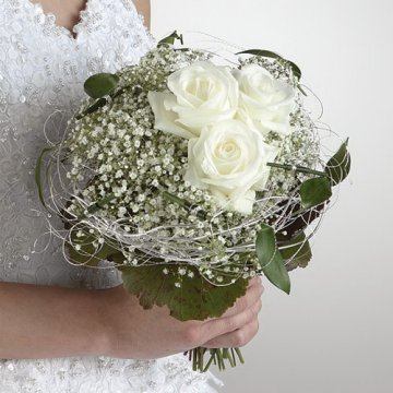 white-rose-bouquet-05