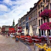 Mons, terrasses sur la Grand-Place