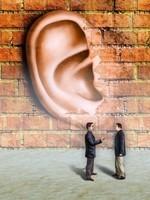 De muren hebben oren.
