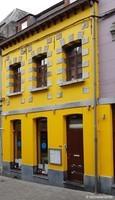 La maison jaune (1) / Boule de bleu / Mons, Belgique