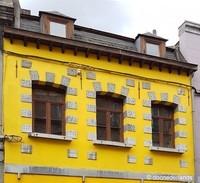 La maison jaune (2) / Boule de bleu / Mons, Hainaut, Belgium