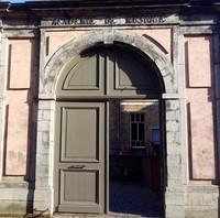 Portail d'entrée (académie de musique de Mons)