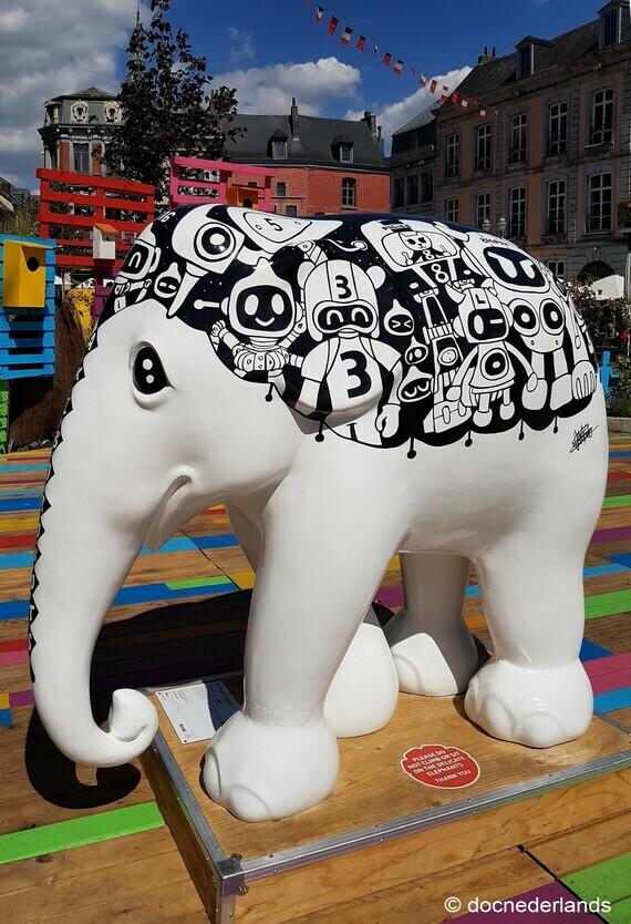 Eléphants (jardin éphémère), Grand-Place de Mons (04)