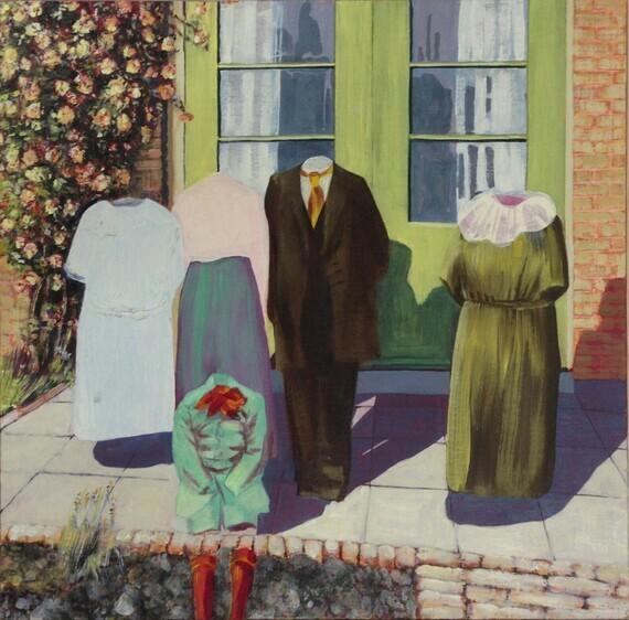 Cornelia Vrolijk - Familiefoto van man, drie vrouwen en kind voor groene tuindeuren