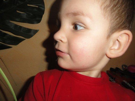 mon fils a une barbichette lol