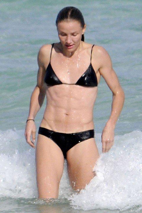 0207-cameron-diaz-bikini-03-480x720