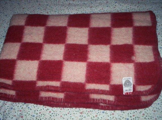 couverture polaire WOOLMARK 180 X 220 a 10€