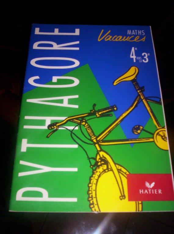 cahier de vacances HATIER math de la 4eme a la 3eme 2€