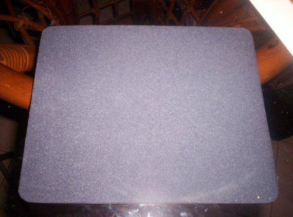 tapis de souris noir 0.50€