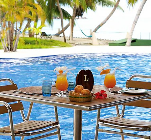 COCO-DE-MER-HOTEL-and-BLACK-PARROT-SUITES-1500448798