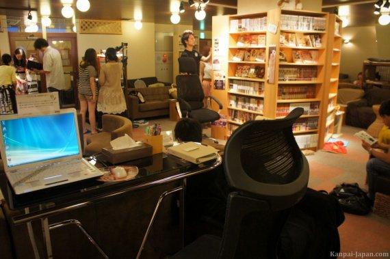 neko-cafe-japan-8-1024x681