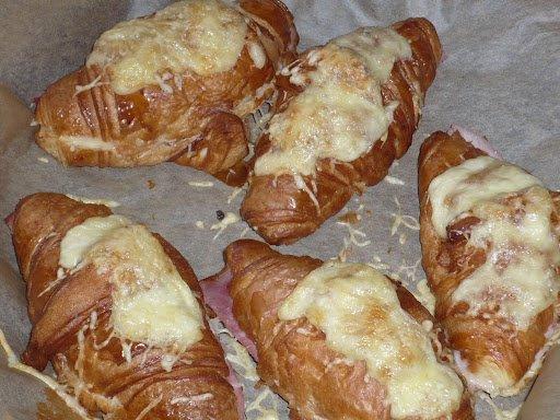 Croissants au jambon fromage