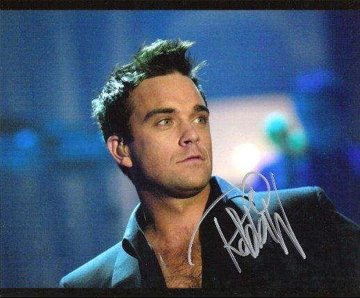 58093-Robbie Williams01