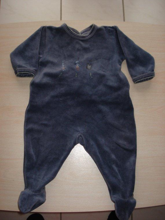 Pyjama Petit Bateau. Bien porté mais en bon état.2€