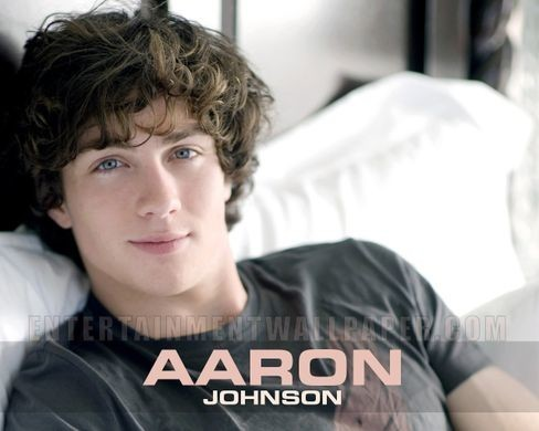 http___images5-fanpop-com_image_photos_26500000_Aaron-Johnson-aaron-johnson-26581162-1280-1024