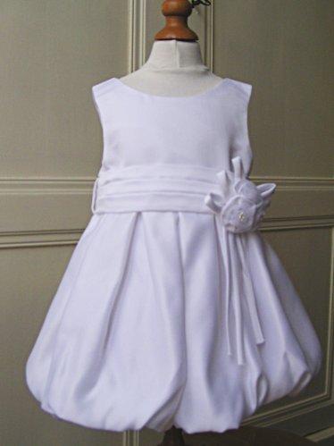 robe de bapteme fille simple. Black Bedroom Furniture Sets. Home Design Ideas