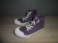 204 Converses la redoute creation P28 3€