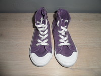 202 Converses la redoute creation P28 3€