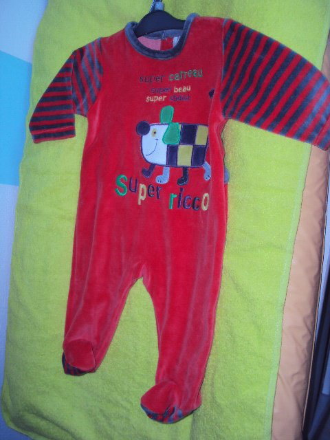 pyjama dpam 3mois =12euros neuf