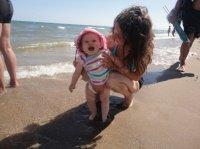 Eva son premier contact avec la mer