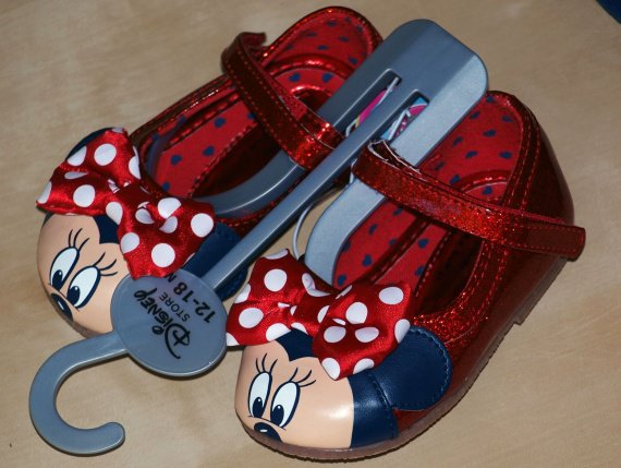 chaussures minnie disneystore pointure 21