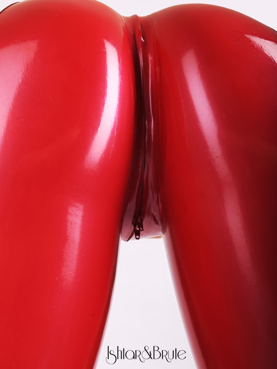 Ishtar and Brute cheeks legging in red latex 6