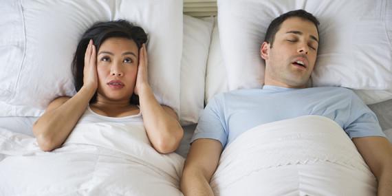 Probèmes de ronflements la nuit ? Pourquoi ? Quelles solutions ?