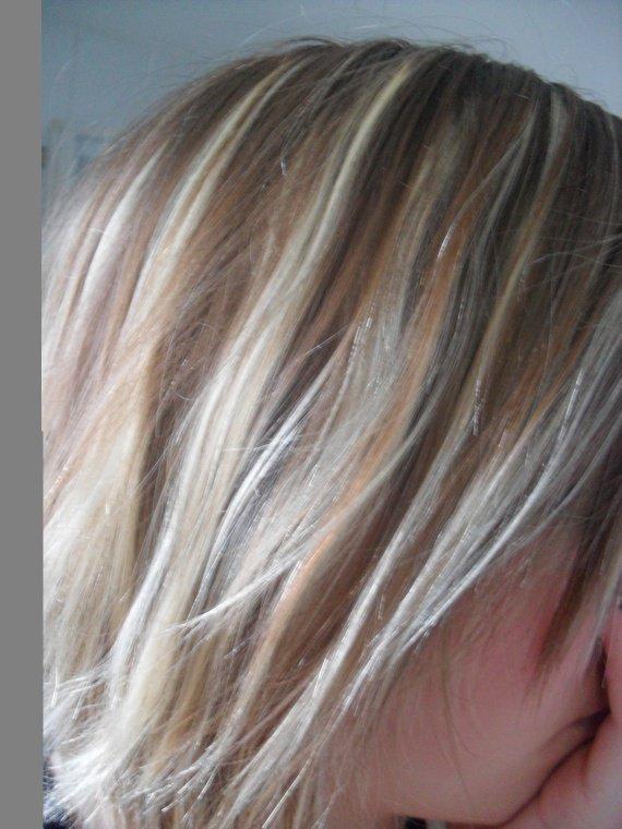 balayage sur cheveux blond platine. Black Bedroom Furniture Sets. Home Design Ideas