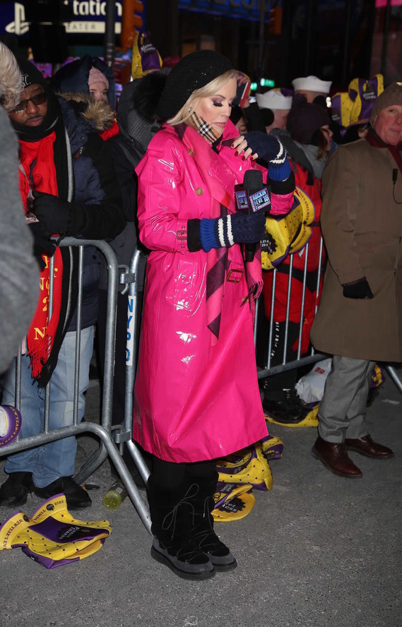 jenny-mccarthy-at-the-2018-new-years-eve-celebration-in-times-square-in-nyc-12-31-2017-2