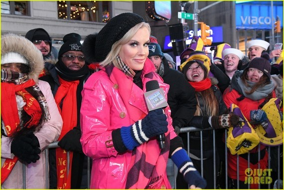 heres-how-jenny-mccarthy-stayed-warm-during-new-years-eve-08