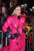 Jenny-Mccarthy_-2018-New-Years-Eve-Celebration-in-Times-Square--09-662x1072