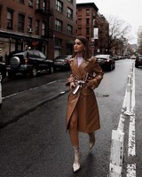 Look-Vinyl-coat-and-boots-camila-coelho