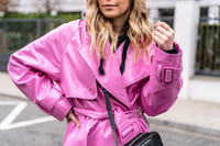 vinyl-trenchcoat-pink-fashion-blogger-sunnyinga
