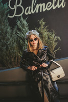 how-to-wear-beret-vinyl-trench-coat-valeria-sytnik-fashion-blogger-ukraine