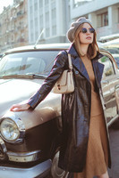 how-to-wear-beret-vinyl-coat-valeria-sytnik-fashion-blog-allaboutaccent