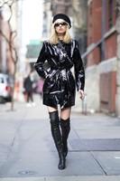 Elsa-Hosk_-Wearing-an-Elizabeth-Sulcer-X-Miss-Sixty-coat--03-662x993