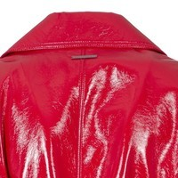 trench-coat-in-red-patent-leather5