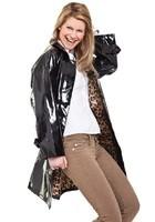 RAINMAC-Women-Chelsea-Black_Leopard-Lifestyle_2eb9d35f-26ab-45fb-b127-dd48ddb04b27_1024x1024