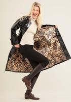 RAINMAC-Women-Carnaby-Black_Leopard-Lifestyle_da129312-f89c-4d34-a9fc-cc752ab544fb_1024x1024